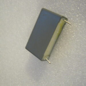 Condensatore Poliestere 5,6uF 100V Radiale