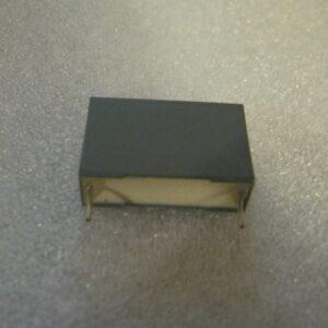 Condensatore Poliestere 1nF 2000V Radiale