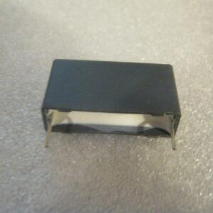 Condensatore Poliestere 10nF 2000V Radiale