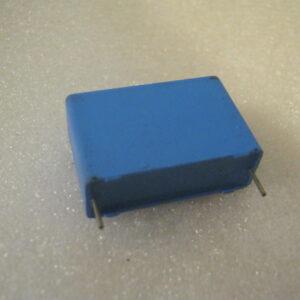 Condensatore Poliestere 22nF 1600V Radiale