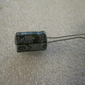 Condensatore Elettrolitico 22uF 100V Radiale