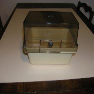 Contenitore per 40 Floppy Disk 8″ con Serratura
